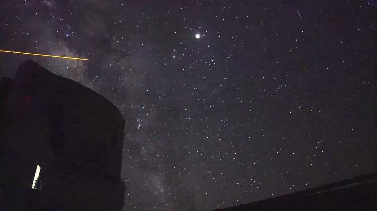 すばる望遠鏡と皆既月食