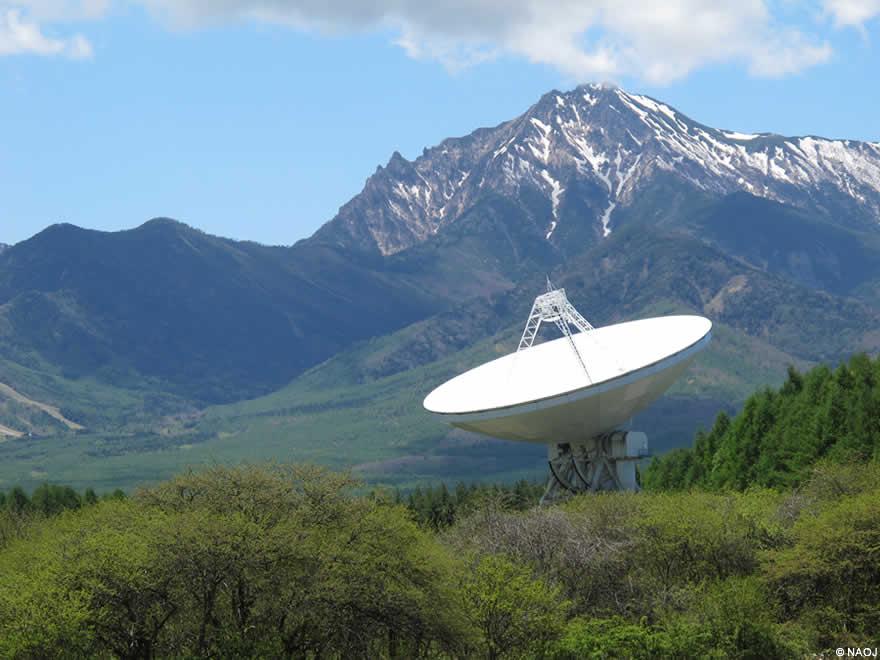 野辺山45メートル電波望遠鏡