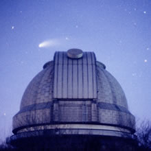 Comet Hale-Bopp and the 188cm Telescope Dome