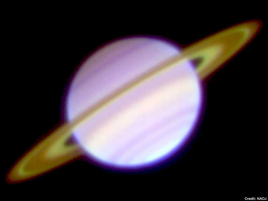 A three-color composite of the mid-infrared images of Saturn on January 23, 2008 captured with COMICS on the Subaru Telescope