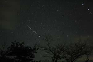 2004年のふたご座流星群の写真